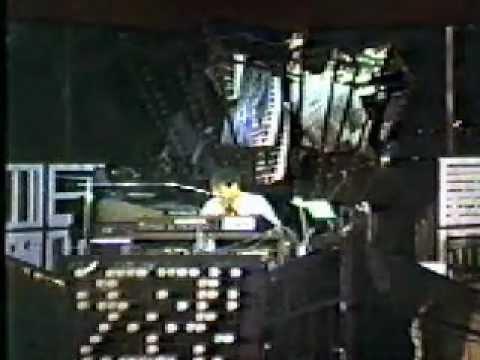 Michael Iceberg (1981) Tomorrowland Terrace WDW (Full Show)