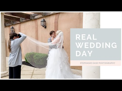 behind-the-scenes-of-bride-and-groom-portraits
