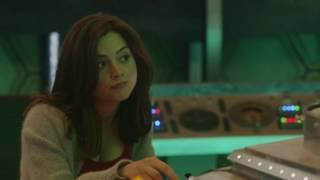Doctor Who - Clara And The Tardis Resimi