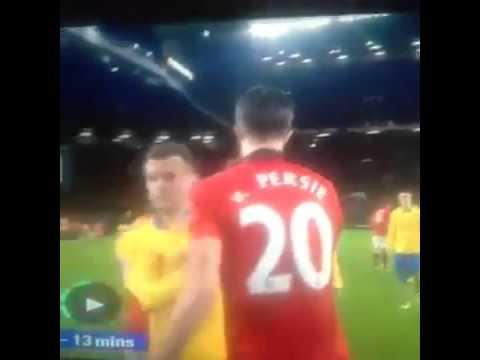 Laurent Koscielny Snubs Robin Van Persie - Man Utd vs Arsenal 10-11-13