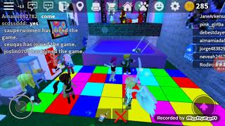 Canoena and Vincent play roblox together! :)