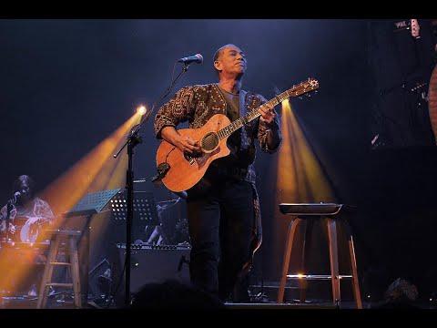 Joey Ayala - Magkaugnay (LIVE @ Conspiracy july 17, 2009)