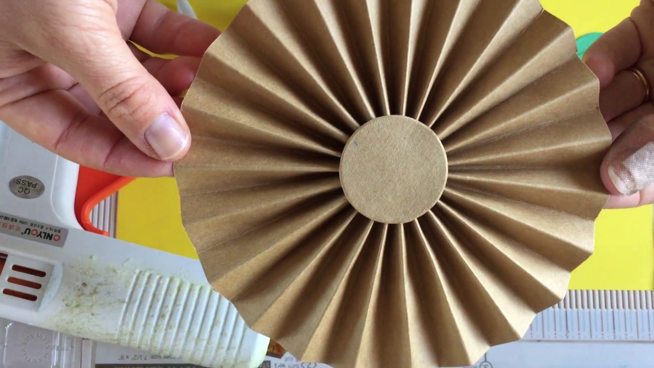 how to make a paper fan that fly
