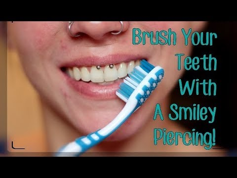 how-to:-brush-your-teeth-with-a-smiley-piercing