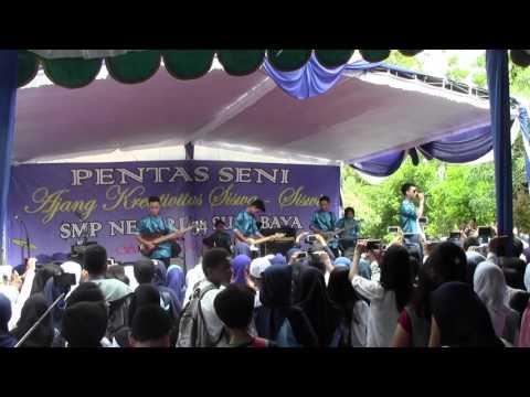 Vertical Band @Pensi SMPN 34 Surabaya. Lebih Indah (Adera)