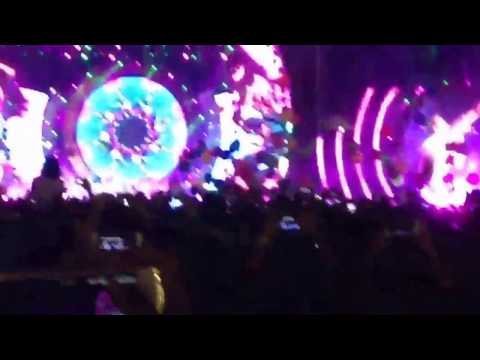 Adventure Of A Lifetime by Coldplay (live) in Mumbai, India