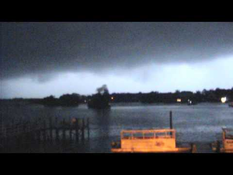 Tornado cell passes over weather camera - Kings Bay (Crystal River, Florida) - 2017-01-07 2am