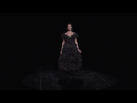 Christy Turlington helps Marc Jacobs close out New York Fashion Week