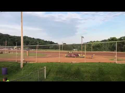 Chad Roush #32 hotlaps @ Ohio valley speedway June 16 2018