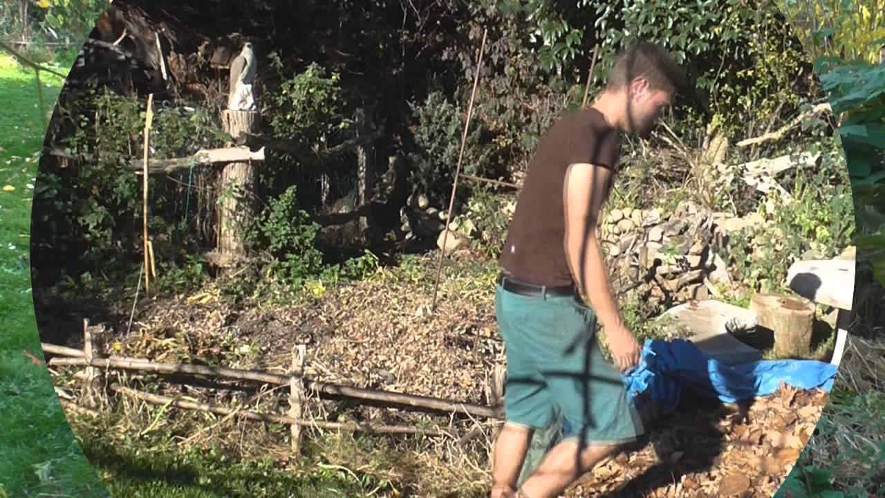 Travaux d 39 automne au jardin potager permaculture youtube for Au jardin potager
