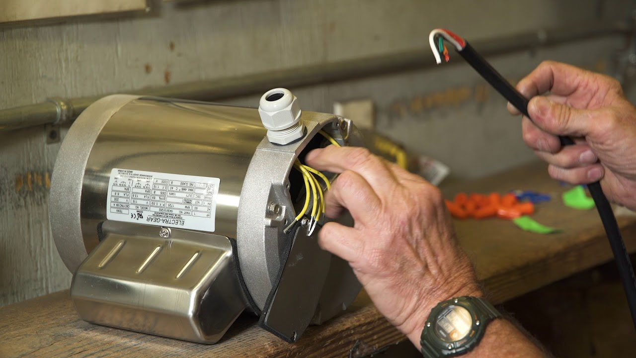 leeson electra gear motors c face boat lift motor 110v wiring [ 1280 x 720 Pixel ]