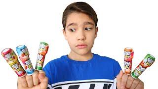 João Pedro cantando a Canção das Cores e o Rafael finge brincar de pegar seu Lollipop #2