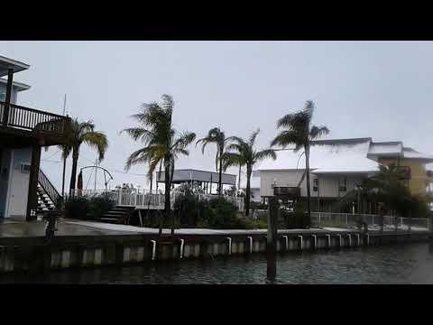 Hello snow! Southern Coastal Life 🌴 aboard my humble yacht CROWN PRINCE 🛥 Sun Runner 380 SB