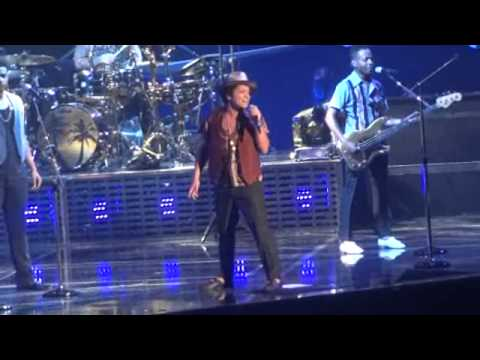 """Bruno Mars (Live) - If I Knew - Funny Banter """"damn"""" -(Who Has More Game?)"""