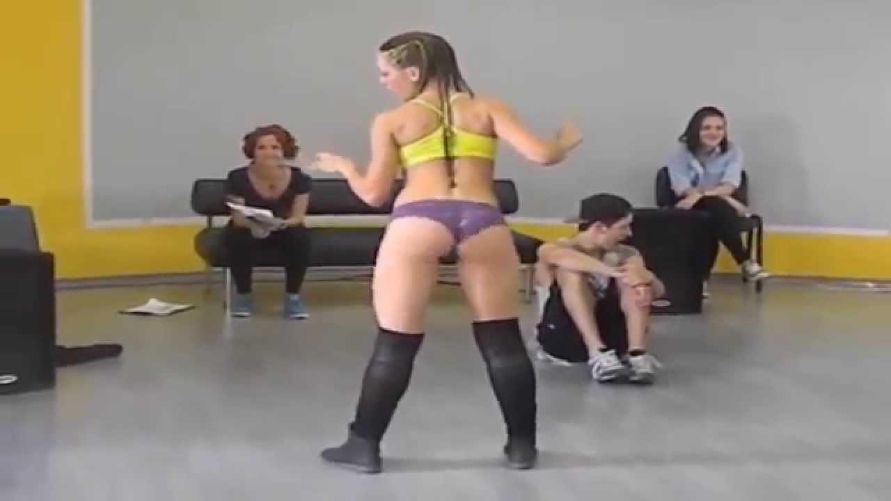 Russian Girl Twerks Better To Jungle Best Twerk Video Go Home Miley Cyrus Youre Drunk Electrokill M