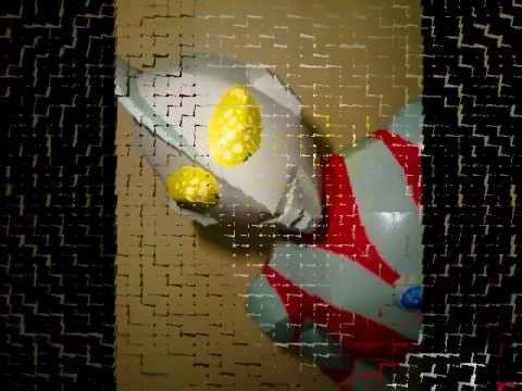 Papercraft Ultraman Paper Craft Model, with music video.wmv