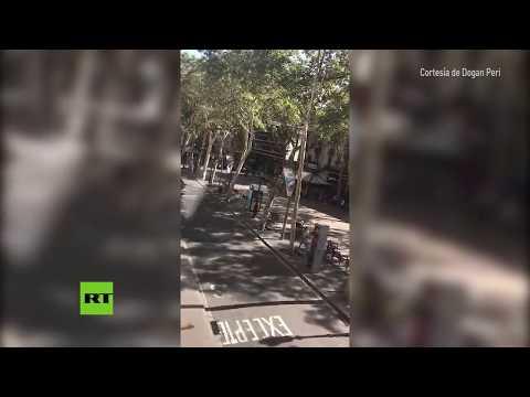 PRIMERAS IMÁGENES: Una furgoneta atropella a decenas de personas en Barcelona