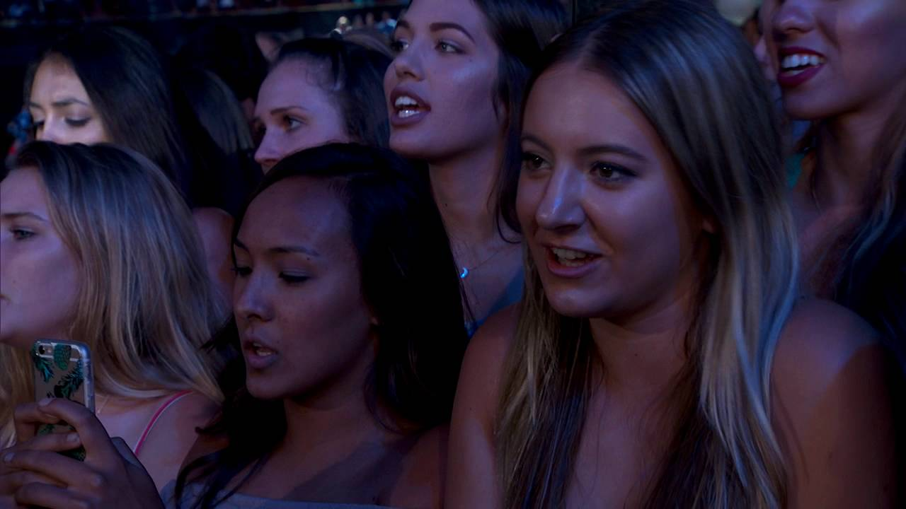 Download Charlie Puth - We Don't Talk Anymore (Live at Teen Choice Awards)