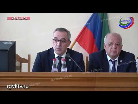 В Махачкале лучшим врачам Дагестана вручили награды