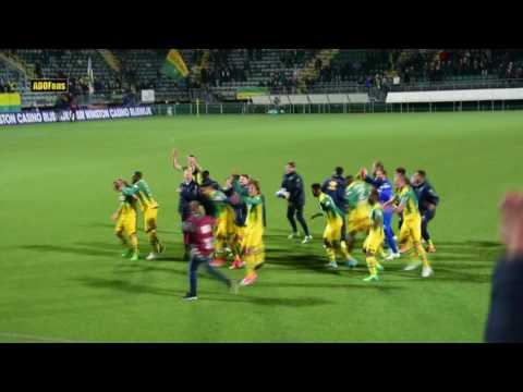Spelers en Middennoord vieren punt tegen PSV