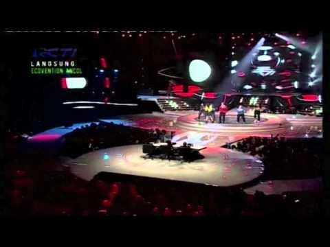 Bendera / Dance I love Indonesia (Live on Idols) - Vj Daniel Mananta feat. DJ Devina and Maharasyi