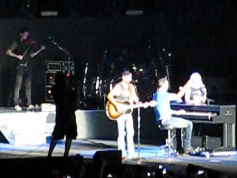 Luke Bryan, Jason Aldean, & Miranda Lambert cover Shanendoah