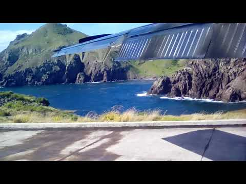 Short final crazy landing at Saba with T360 | Juancho E. Yraliquin Airport
