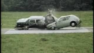 1970與1990年代的汽車對撞測試結果