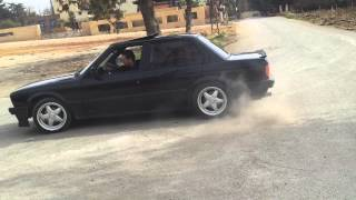 BMW drift - E30 - 325i donuts