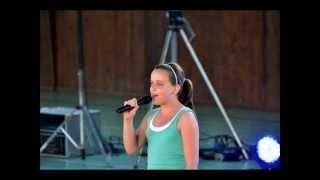 Berenika Selixová ( Kelly Clarkson - A moment like this)