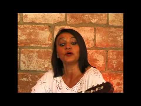 Silvia BORGES,Argentina (canto y guitarra),Kiko PEDROZO,Paraguay (arpa)