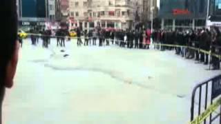 Taksim'de polise saldırı