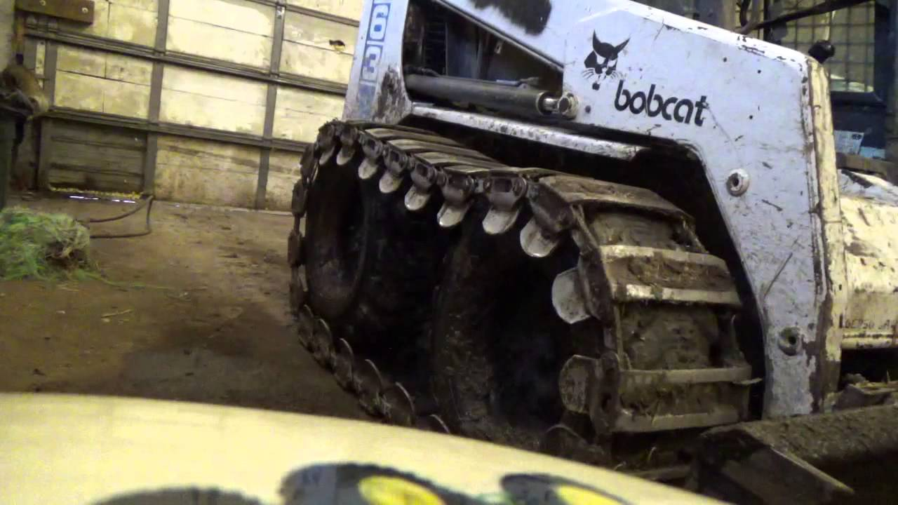 Bobcat 763 skid steer tracks - YouTube