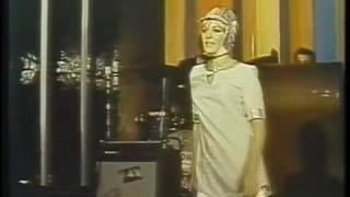 Sexy 60's mod Danger Girls (1969) Club nocturno singer