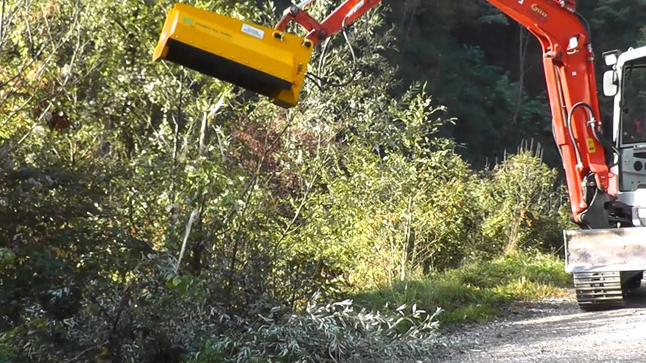 Hydraulic Bush Cutter Ghedini Da 95 On Kubota Excavator