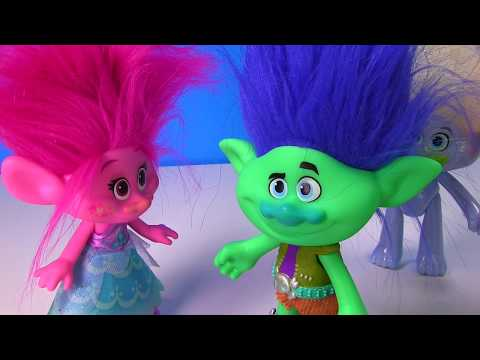 Dreamworks Trolls Movie Branch PROPOSES to Poppy - Do we Find Diamonds and Gold in Dig Its?