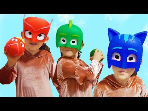 Öykü Playing PJ Masks   Learn Colors With Colored Toys - Funny Kid Video Oyuncak Avı