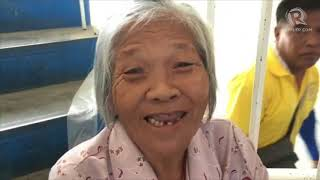 Barangay Elections 2018: Frail elderly struggle up the stairs
