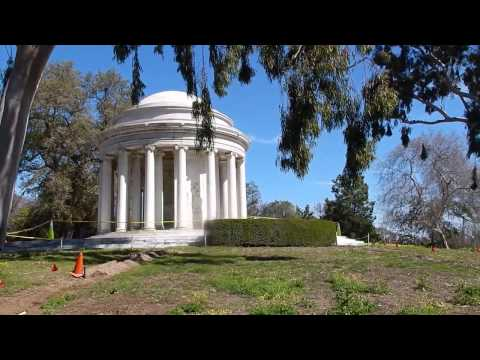 Huntington Gardens: Mausoleum