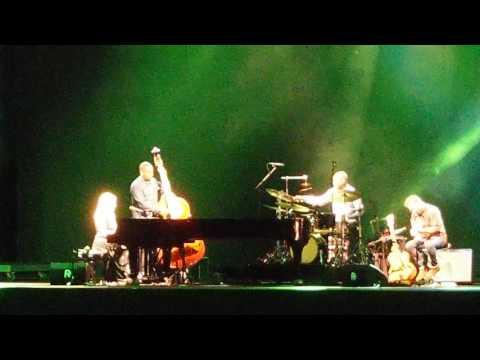 Diana Krall - Simple twist of fate (live Umbria Jazz 2016)