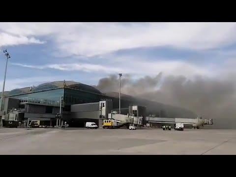 Un incendio en el aeropuerto de Alicante-Elche cancela decenas de vuelos