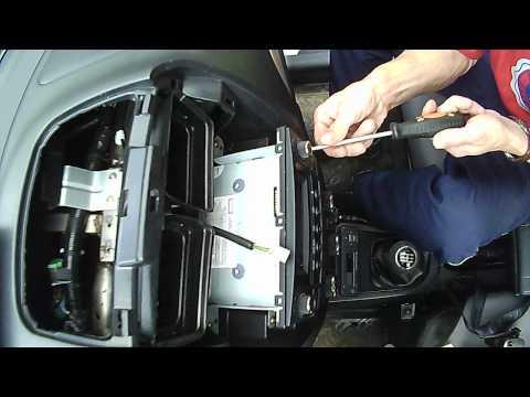 Смотреть FAW V5 . панель магнитолы