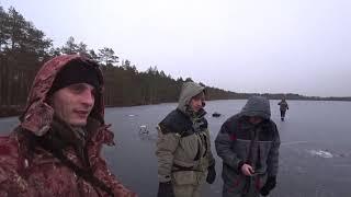 Провинциальная рыбалка на болотном озере Открытие зимнего сезона 2020 2021 г