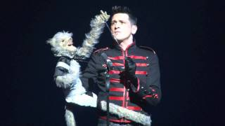 Damon Scott - amazing puppet version of Michael Jackson Earthsong