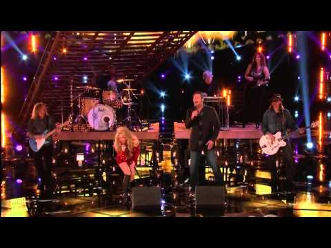 Blake Shelton and Shakira - Medicine - The Voice