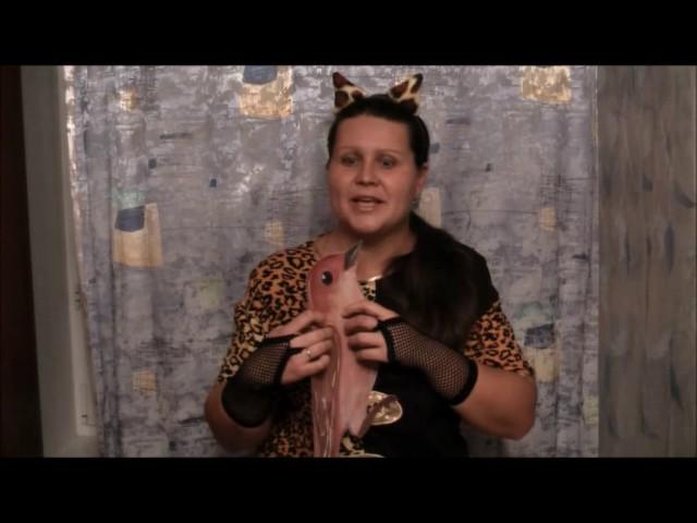 Изображение предпросмотра прочтения – НатальяПолухова читает произведение «Кошка и Соловей» И.А.Крылова