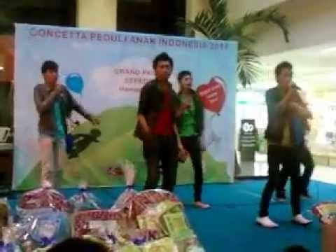 Prince Boyband performing at Bandung Trade Mall