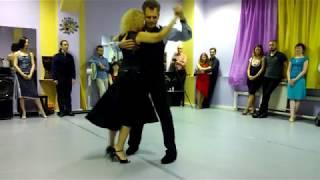 Выступление на милонге. Танго-вальс.