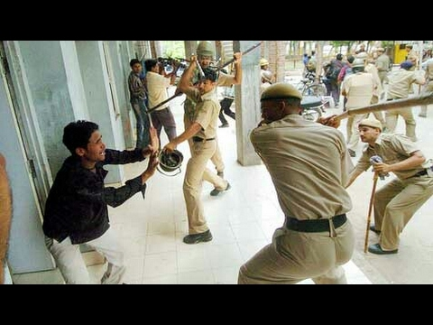 Hindian police fighting