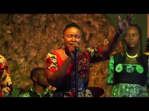 Anne Keps NABANGA TE live